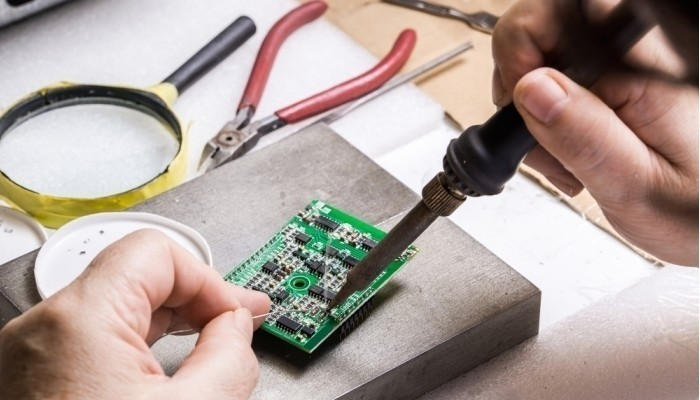 soldering microchips and circuit boards