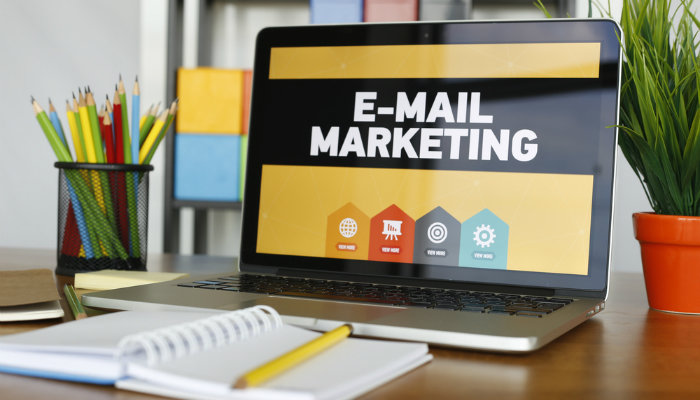 Email marketing laptop